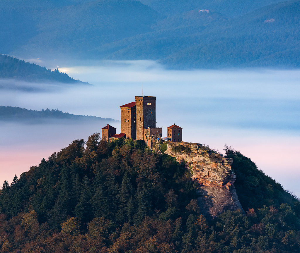 Trifels in the moonlight
