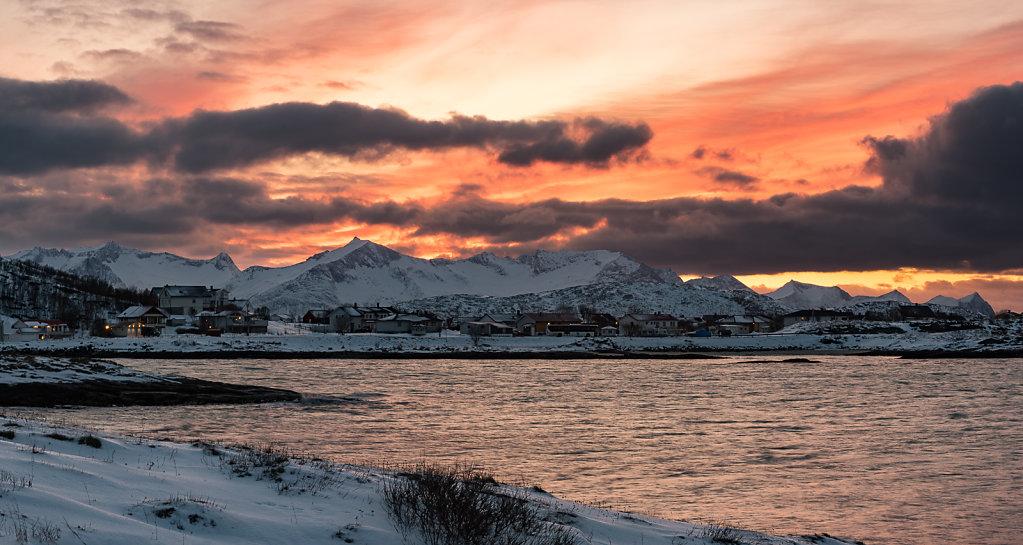 Sunset behind Sommarøy